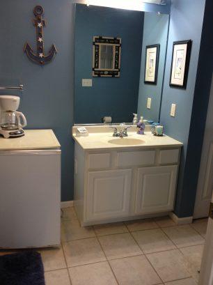 Full Master Bath, curing iron + blow dryer