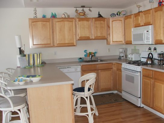 Fully Stocked Kitchen including crab pot