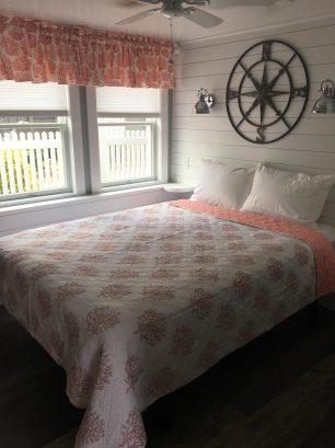 1st floor-queen bedroom