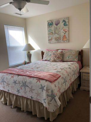 Middle Bedroom (#2) has Queen bed