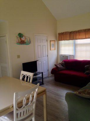 UPPER CONDO Dining Room Living Room
