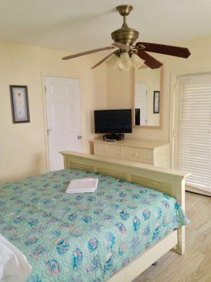 UPPER CONDO Master Bedroom