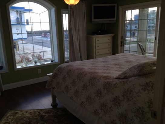 Master Bedroom With 32 Wall Mount Lcd Hd Tv W/ Dvd/vc""