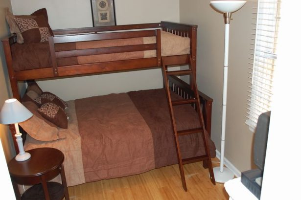 Upstairs Bdrm,Twin Over Full Bunk (2nd floor)