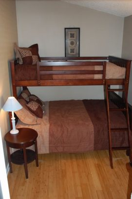 Upstairs Bdrm,, Twin Over Full Bunk