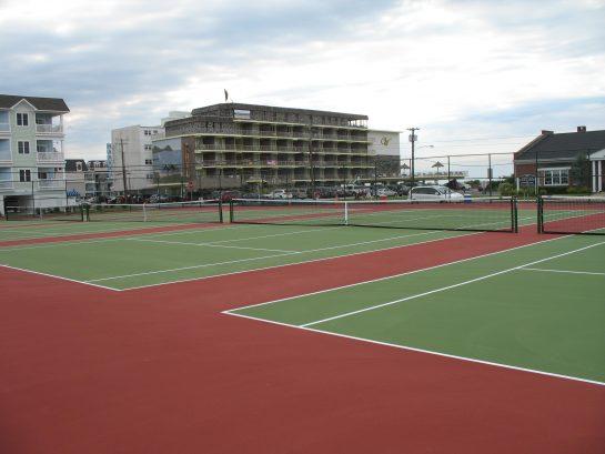 8 Tennis Courts 2 Blocks Away