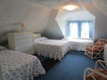 BEDROOM 304#3