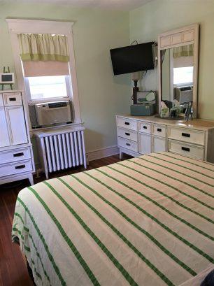Queen Bedroom, Mid Mod Century