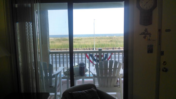 There's the Beach!!
