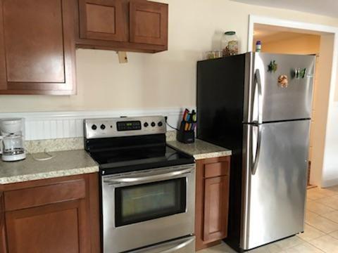 GROUND FLOOR APT: Kitchen