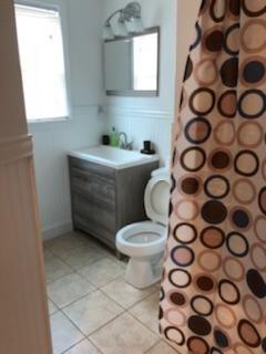 GROUND FLOOR APT: Bathroom #1