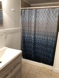 GROUND FLOOR APT: Bathroom #2