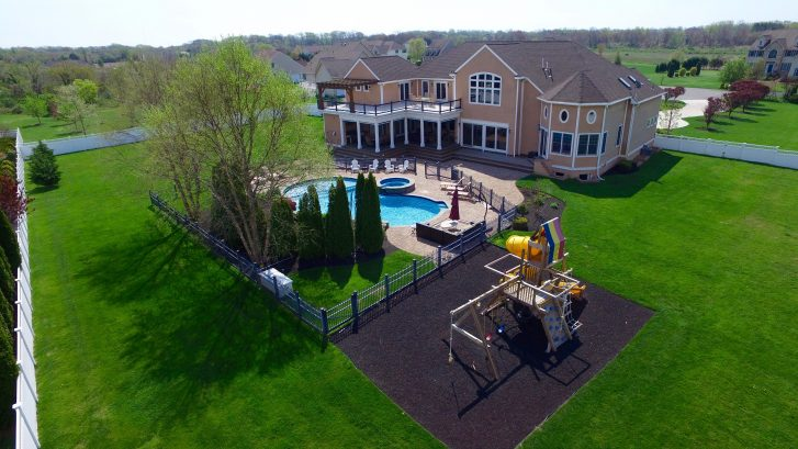 Huge Property! and Sooo close to Beaches, Cape May Mall, WillowCreek Winery and Beach Plum Farms