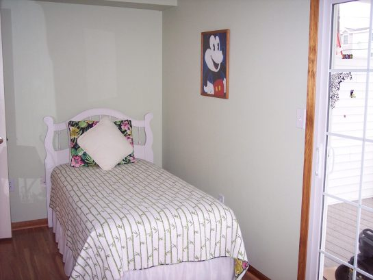 2nd twin bed on 1st floor