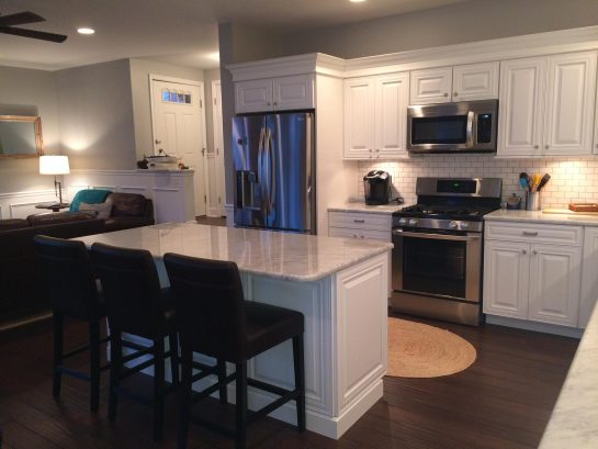 Gourmet Kitchen - SS Appliances, Marble Counter Tops!