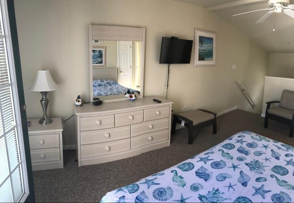 Top Master Suite, awesome for parents or grandparents. Great for naps. Listen to the ocean.