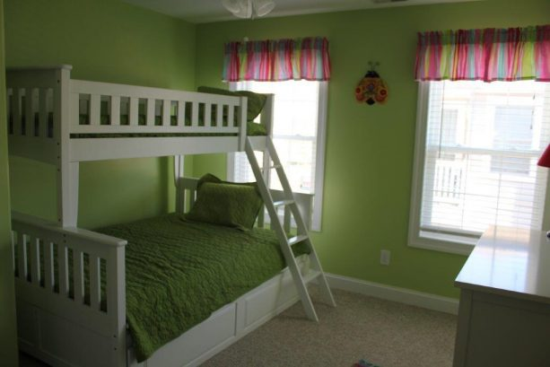 Fourth bedroom with bunk bed (twin & full) and pull out twin trundle.  TV