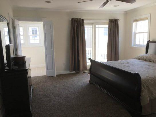 2nd floor master bedroom w/deck