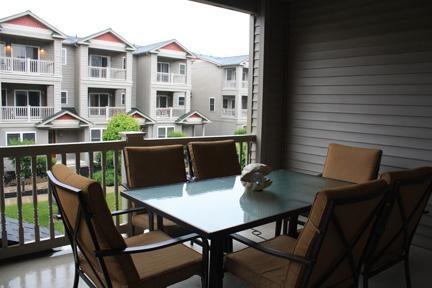 Balcony overlooking courtyard.
