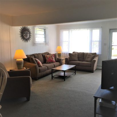 1st Floor Apartment - Living/Dining Room