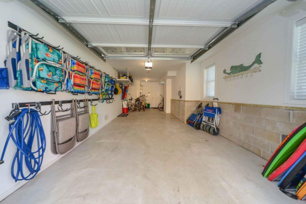 Garage for 1 vehicle, space for 2 in drive, beach supplies for your use
