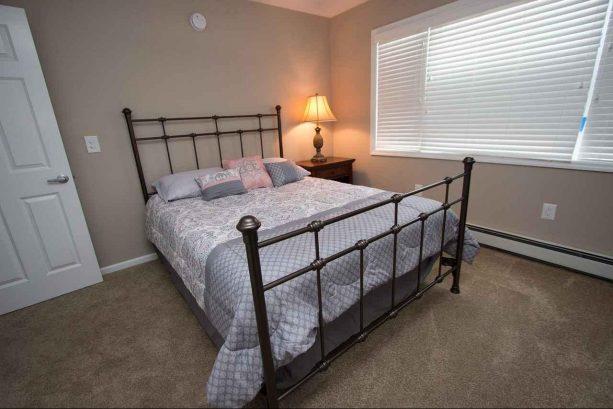 Unit 1 Bedroom #2 - Queen Bed