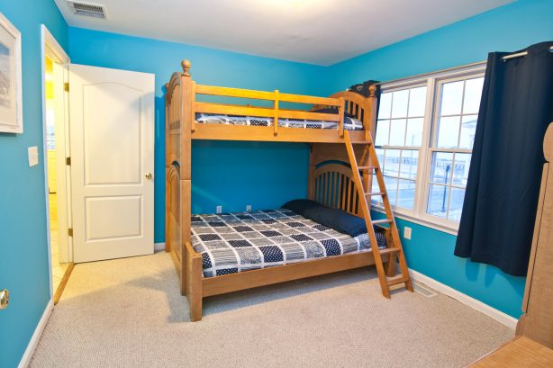 ❤️You will love the bunk bed room! This is not your normal bunk bed, no expense was spared on finding the largest and best bunk bed money can buy! You can comfortably sleep three adults in this bed. That combined with extremely high quality bed linens tha