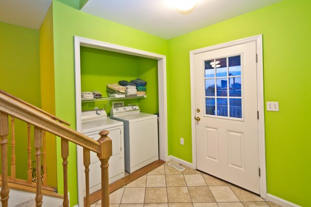 ❤️We have a Washer and Dryer available for your convenience. We provide laundry detergent! Use this door to take yourself outside the 2nd floor deck. The deck is Large with stunning Ocean, Water, and City views any time of day or night!