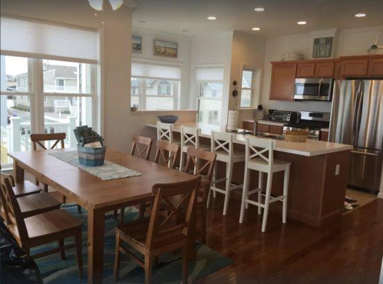 Dinging Room & Kitchen