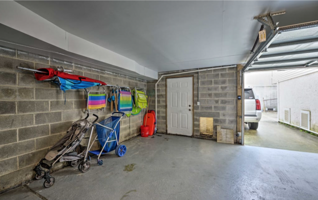 Integral garage with 2 parking pads out back