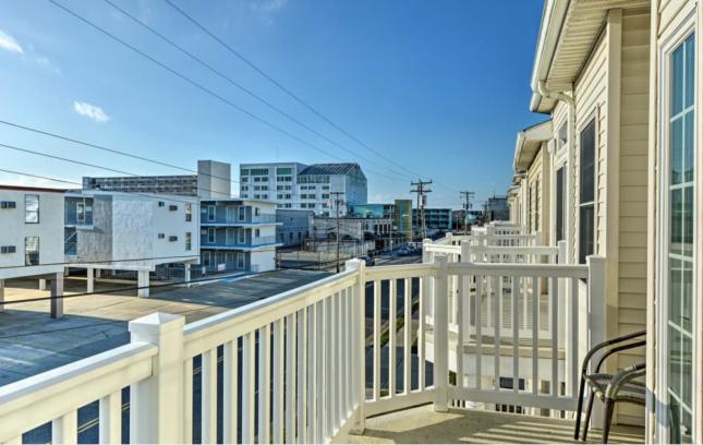 3rd floor balcony looking west