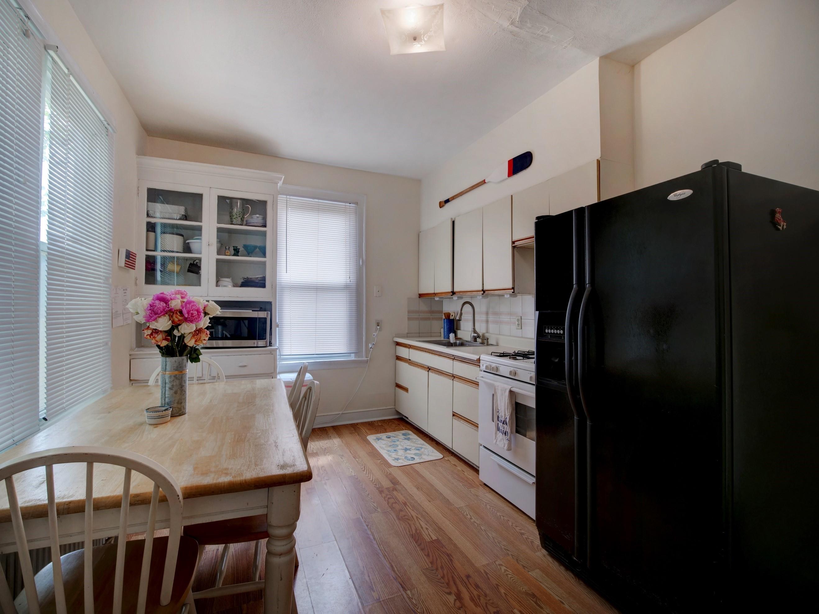 right unit kitchen